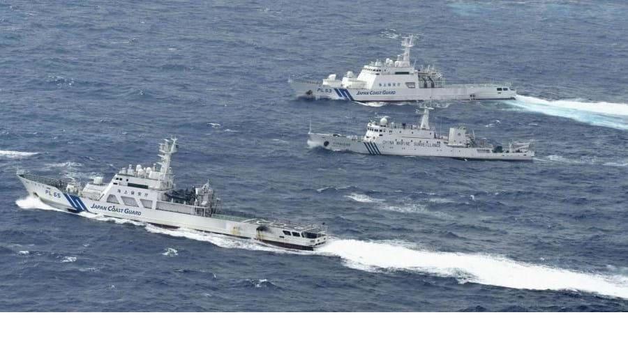 Disputa já é antiga. Na foto, um episódio de 2013 de tensão entre um navio chinês e duas embarcações japonesas