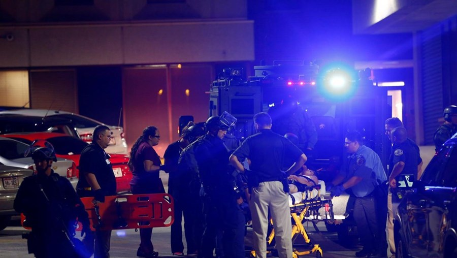 Homem ferido a tiro durante os confrontos