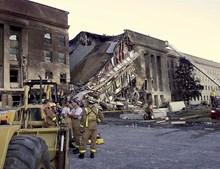 Uma das alas do Pentágono ficou destruída com o impacto do avião desviado pelos terroristas