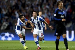 Otávio marcou o primeiro golo da partida