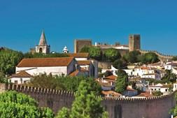 Óbidos: a vila que  nos leva numa viagem à  Idade Média