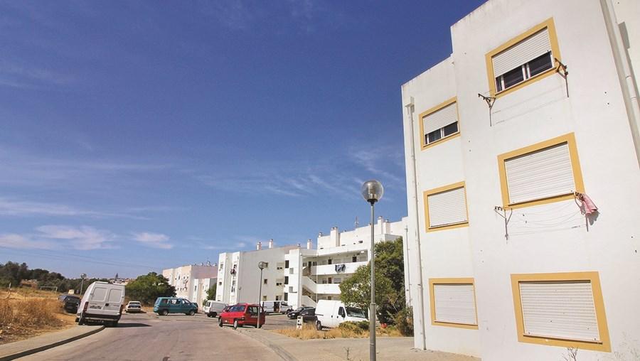 Maior parte dos detidos habitam nos prédios do bairro da Cruz da Parteira, mas traficariam noutras zonas de Portimão