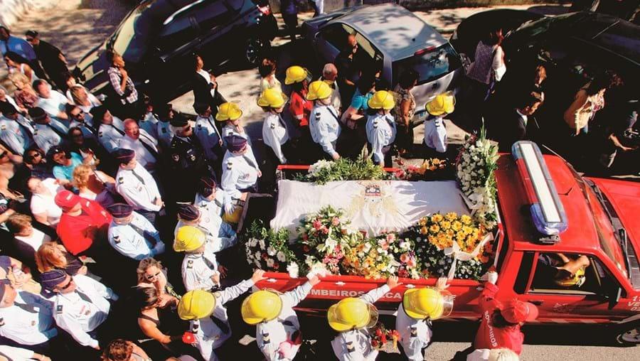 Três mil pessoas estiveram presentes no último adeus à bombeira da corporação de Alcabideche