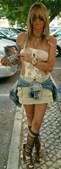 Maria Leal posa com o disco