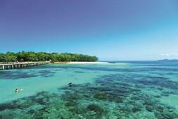 alguns dos locais da grande barreira de coral são facilmente acessível pelos turistas que procuram realizar o sonho de uma vida