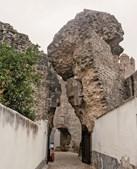 Uma das entradas para  o castelo