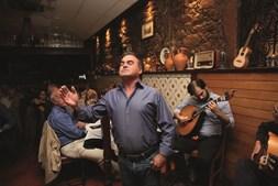 O Fado é um restaurante familiar que cativa gente de todo o Mundo