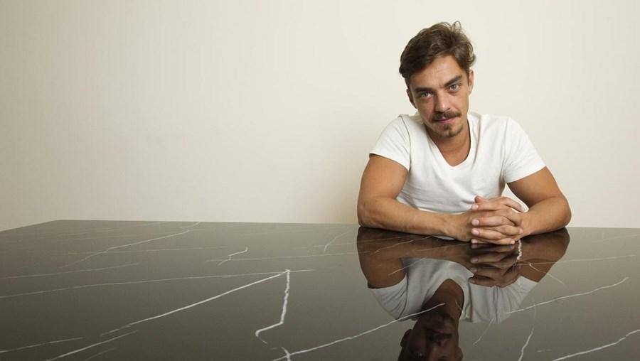 Ator José Mata interpreta 'Lobo'