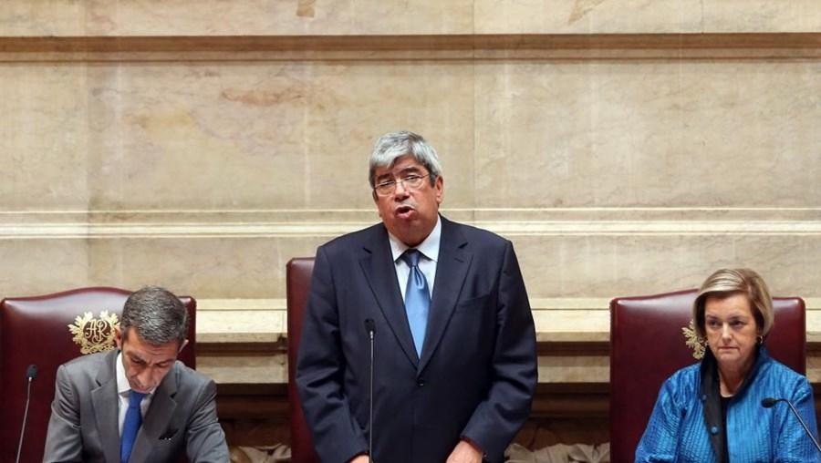 Ferro Rodrigues discursa na tomada de posse como Presidente da Assembleia da República, a 23 de outubro de 2010
