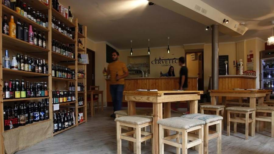 In Cerveteca, the difficult part is to choose from such a vast menu