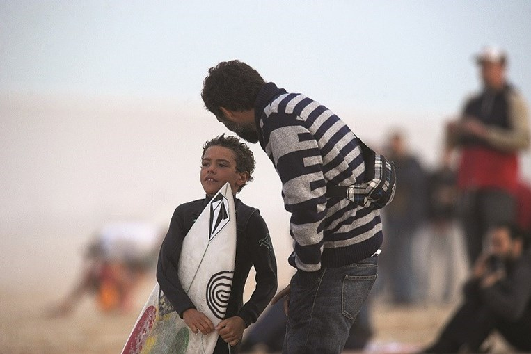 Aspirante à modalidade na praia de Peniche