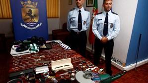 Polícias travam razia de assaltos a casas