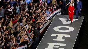 Clinton encerra campanha com Obamas, Springsteen e Bon Jovi