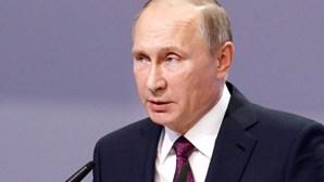 Putin anuncia dia de luto nacional pelas vítimas de queda de avião
