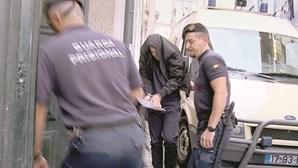 Tribunal analisa arma usada para balear 'ex'