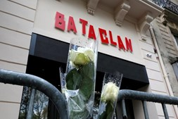 Flores no Bataclan