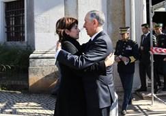 Marcelo Rebelo de Sousa e Constança Urbano de Sousa estiveram na igreja da Memória, em Lisboa,  na homenagem ao militar