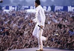 Mercury ficou celebre pelo seu tom de voz