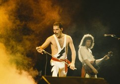As atuações energéticas eram a imagem de marca do cantor