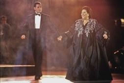 Mercury compôs com Montserrat Caballé o hino dos Jogos Olímpico de Barcelona de 1992. Não chegou a ver os Jogos
