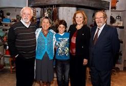 Carlos Santos (à direita) acompanhado por Simone de Oliveira e Ruy de Carvalho