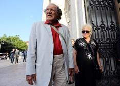 Carlos Santos com a atriz Amélia Videira, com quem tinha casamento marcado. Morreu aos 79 anos