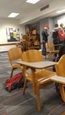 Estudantes barricaram-se dentro de uma sala