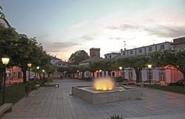 Praça da República,  o centro cívico da vila de Melgaço