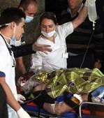 Jornalista brasileiro Rafael Henzel chega ao hospital