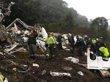 Autoridades colombianas divulgam fotografias do local da tregédia