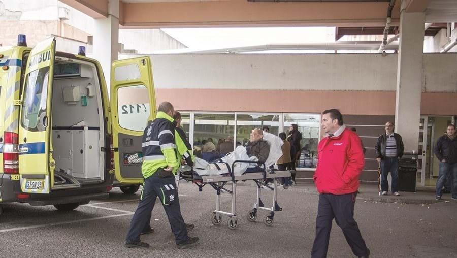Suspeitas das condições de controlo de infeção levaram uma equipa técnica da DGS ao hospital de Almada