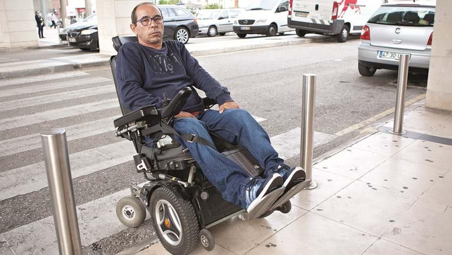 Hélder Rocha denunciou o caso à autarquia, mas o problema continua para quem tem mobilidade reduzida