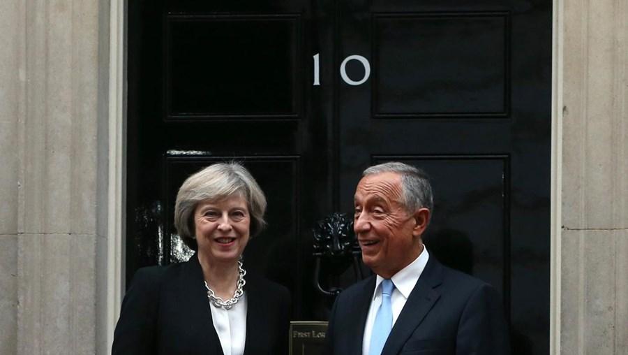 A primeira-ministra britânica, Theresa May, e o Presidente da República, Marcelo Rebelo de Sousa