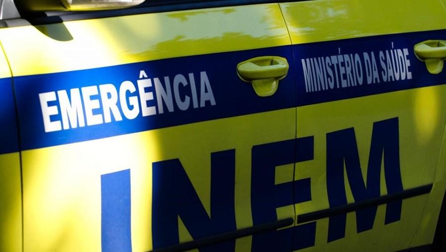 No local do acidente esteve a viatura médica de emergência e reanimação do Hospital de Santarém