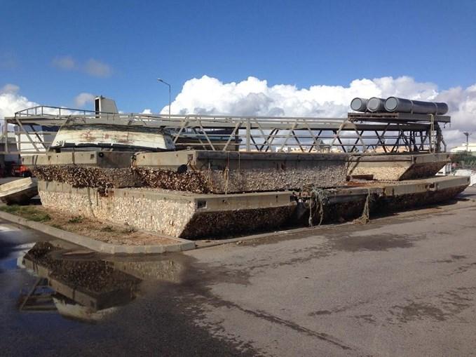 Degradação da estrutura causa problemas aos profissionais da pesca que utilizam o porto de Quarteira