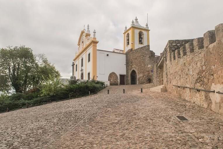 O castelo é o cartão de visita de Santiago do Cacém