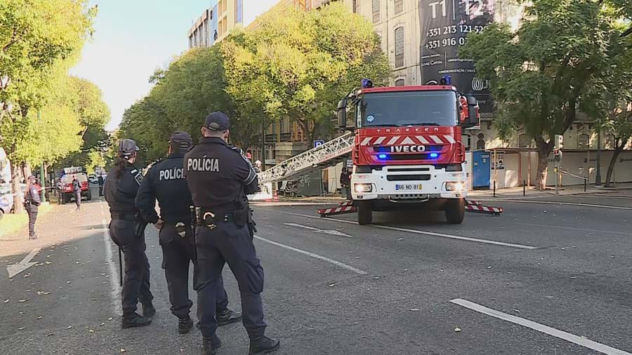 Derrocada ocorreu esta manhã em Lisboa