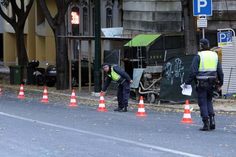 Polícia vedou trânsito no local