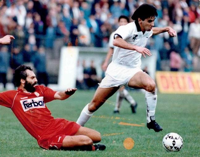 Jogou cinco épocas pelo V. Guimarães