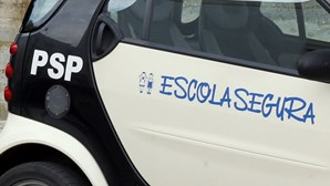 Pais fecham escola em Queluz após agressões a funcionário