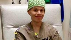 Jovem com cancro ganha piza grátis por um ano e doa prémio