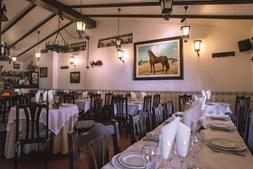 O restaurante Páteo Real é um dos mais conhecidos da região
