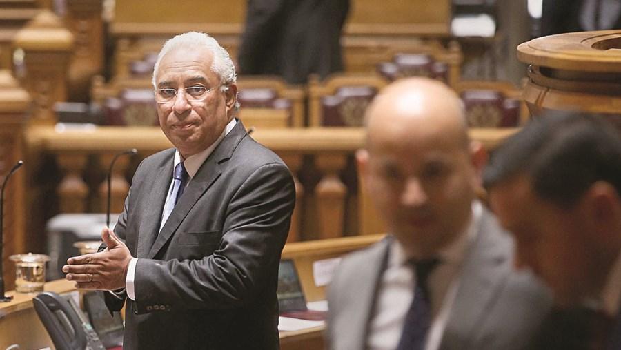 Primeiro-ministro António Costa prometeu acabar com a precariedade na carreira docente numa intervenção no Parlamento, na passada quarta-feira