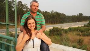 Pároco e vizinhos desconfiam de 'casal herói'