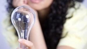 """Regulador alerta para """"má prática"""" de comercializadores na comunicação das tarifas da luz"""