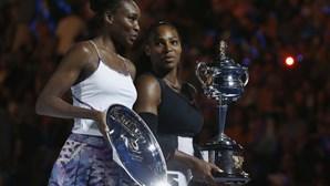 Serena Williams bate irmã Venus e conquista 23.º título do 'Grand Slam'