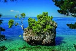A praia de Punta Rata, na croácia, é considerada uma das mais paradisíacas da Europa