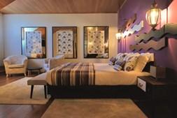 Os sete quartos do empreendimento turístico oferecem comodidade, aliada a uma decoração moderna