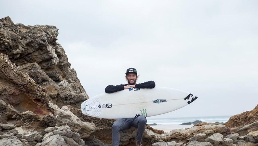 Frederico Morais, conhecido por Kikas no surf, tem 25 anos