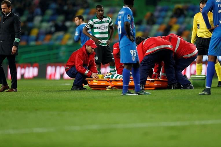 Adrien sai lesionado